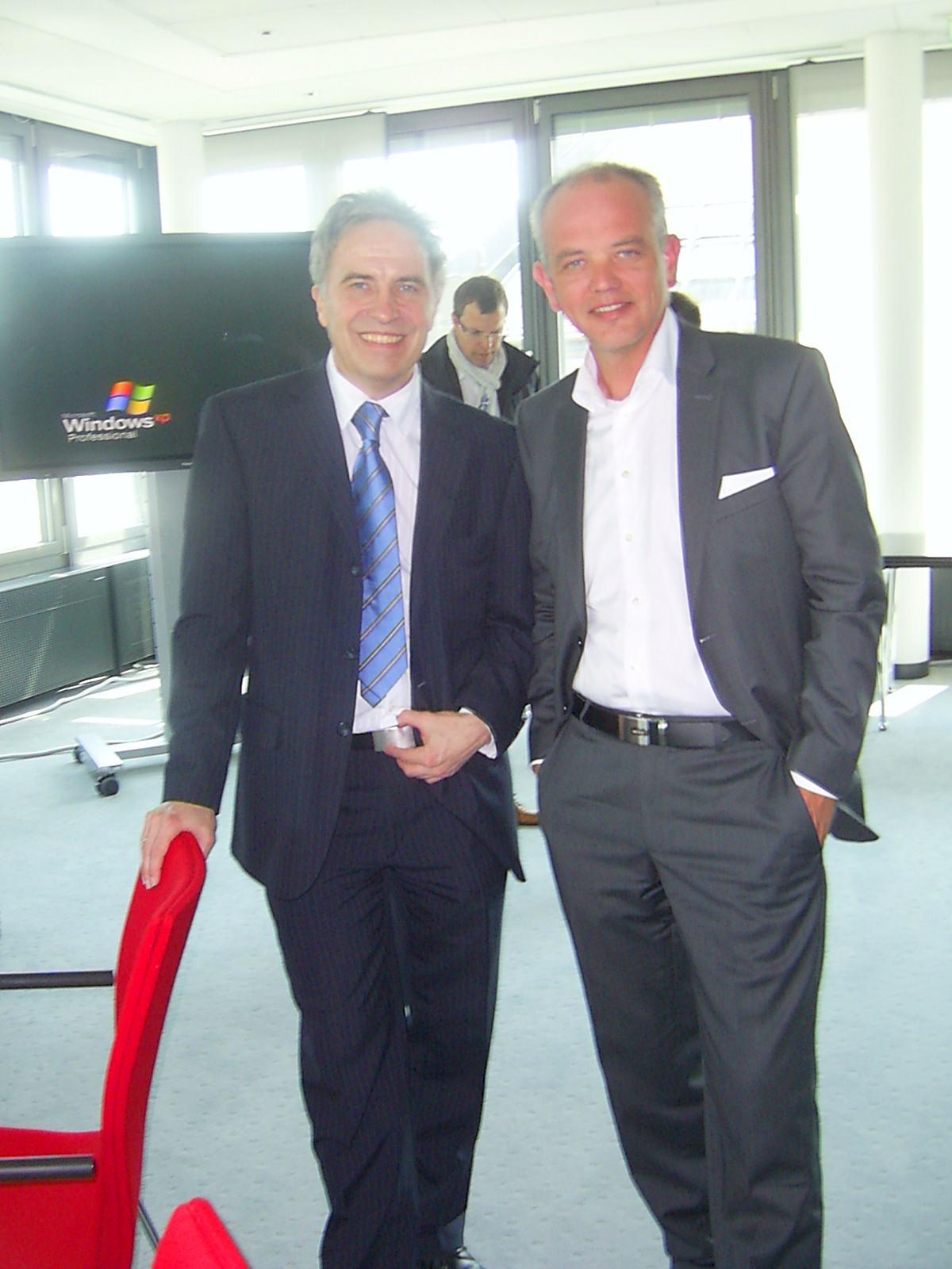 Pressekonferenz zum 26. haspa Marathon Hamburg 2011: Renndirektor Wolfram Götz und HLV-Präsident Wolfgang Müller-Kallweit